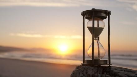 hourglass_m68269